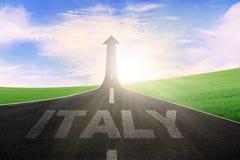 有向上意大利和箭头的词的高速公路 库存照片