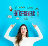 有向上看的少妇的企业家 免版税库存图片