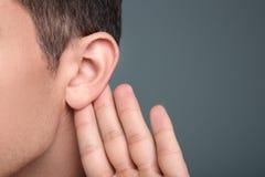 有听力问题的人 库存图片