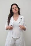 有听诊器的一位女性医生 图库摄影