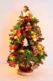 有启发性新年树和手工制造可食用的曲奇饼 库存图片