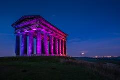有启发性Penshaw纪念碑在晚上 免版税库存照片