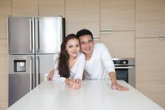 有吸引力的亚洲夫妇 免版税库存图片