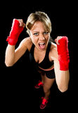 年轻有吸引力的女孩训练拳击拳头包裹了战斗的妇女概念 免版税图库摄影