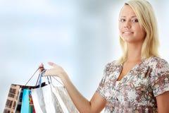 有吸引力的白肤金发的妇女年轻人 免版税库存照片