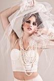 有吸引力的面纱佩带的妇女年轻人 图库摄影