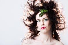 有吸引力的头发杂乱纵向妇女 免版税图库摄影