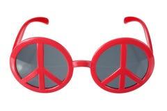 有和平标志的太阳镜 免版税库存图片