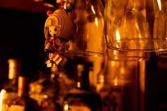 有和服的葡萄酒日本木玩偶 免版税库存图片