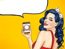 有咖啡杯的微笑的流行艺术妇女 广告海报或党邀请与性感的女孩有哇面孔的 向量例证
