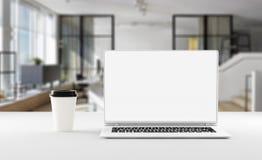 有咖啡杯的,大模型一个笔记本 家庭办公室概念 3d例证 皇族释放例证