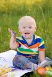 有唐氏综合症的小男婴 免版税库存图片