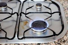 有四燃烧器的传统厨房 免版税图库摄影