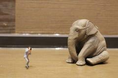 有图的人们塑料动物玩具 免版税库存图片