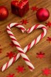 有圣诞节球的棒棒糖 免版税库存照片