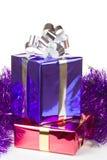 有圣诞节礼品的杂色配件箱 免版税图库摄影