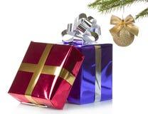 有圣诞节礼品的颜色盒 免版税图库摄影