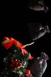 有圣诞节礼物的飞行板材 免版税图库摄影