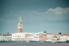 有圣马克钟楼的威尼斯 库存照片