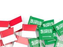 有在白色和沙特阿拉伯的隔绝的旗子的别针印度尼西亚 皇族释放例证