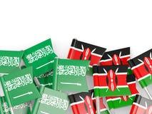 有在白色和肯尼亚的隔绝的旗子的别针沙特阿拉伯 皇族释放例证