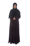 有在白色背景横渡的胳膊的阿拉伯妇女 库存照片