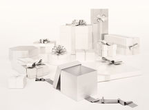 有在白色背景隔绝的银色弓的白色礼物盒 免版税库存图片