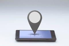 有地图和别针酒吧的智能手机 免版税库存照片