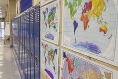 有地图的学校走廊 库存照片