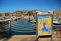 有地图的Cabo圣卢卡斯小游艇船坞 免版税库存照片
