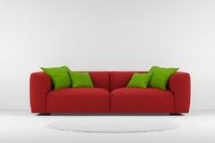 有地毯的红色长沙发 皇族释放例证