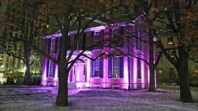 有坎伯议院博物馆的公园在晚上 免版税库存图片