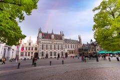 有城镇正方形的被加强的城堡Stadhuis 免版税图库摄影