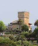有塔的古老房子 圣马尔盖里塔利古雷,热那亚,意大利 免版税图库摄影