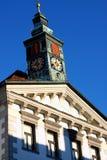 有塔的市政厅在一个夏日在卢布尔雅那,斯洛文尼亚 图库摄影