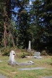 有墓石的坟园公墓 免版税库存照片
