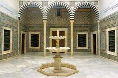 有墙壁上的装饰的霍尔在Bardo博物馆在突尼斯,突尼斯 库存图片