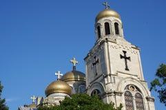 有多个被镀金的圆顶的正统大教堂 库存图片