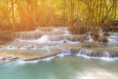 有多层数瀑布的热带雨林 免版税图库摄影
