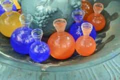 有多彩多姿的液体的玻璃管 免版税库存照片