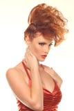 有大发型的时尚妇女 免版税库存图片