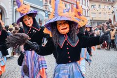 有大帽子的狂欢节巫婆 库存照片