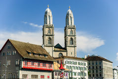 有大教堂的,瑞士苏黎世老镇 库存图片