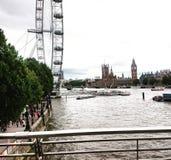 有大本钟的伦敦眼和威斯敏斯特宫殿 库存图片