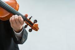 有天才的小提琴手独奏表现 免版税图库摄影