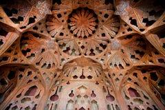 有天花板的17世纪宫殿在乐器形状  图库摄影