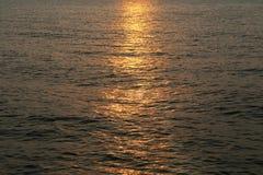 有太阳反射的海 库存图片