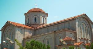 有太阳能电池光线系统的现代基督教会 股票录像