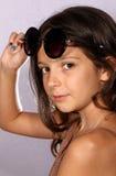 有太阳镜的女孩 免版税图库摄影