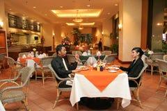 有夫妇的正餐餐馆 免版税库存图片